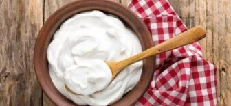 Yatmadan Önce Her Gece Bir Kaşık Yoğurt Yemek Vücudumuzu Nasıl Etkiler